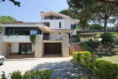 House on the Spanish coast near Barcelona, with a large plot of land
